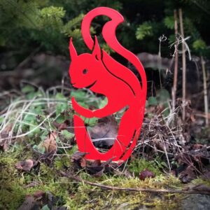 garden art ideas squirrel fence decorations